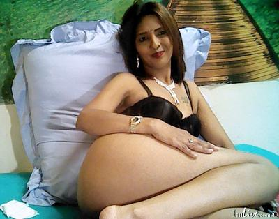 IndianBubblie, 41 – Live Adult cam-girls and Sex Chat on Livex-cams