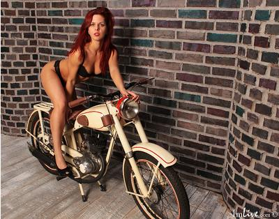 MargoTigress, 20 – Live Adult shy-girl and Sex Chat on Livex-cams
