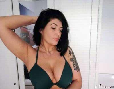 Ohh_vixen, 35 – Live Adult cam-girls and Sex Chat on Livex-cams