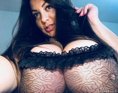 MilfBoobs1, 24 – Live Adult cam-girls and Sex Chat on Livex-cams