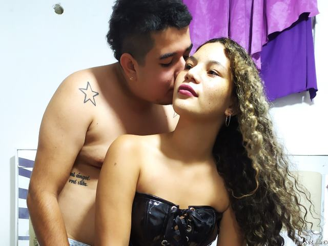 Watch couplehot405 live on cam at ImLive