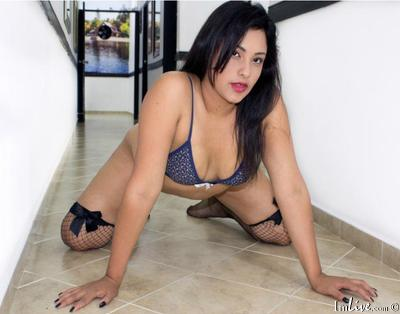 LaurenKlop1, 25 – Live Adult cam-girls and Sex Chat on Livex-cams
